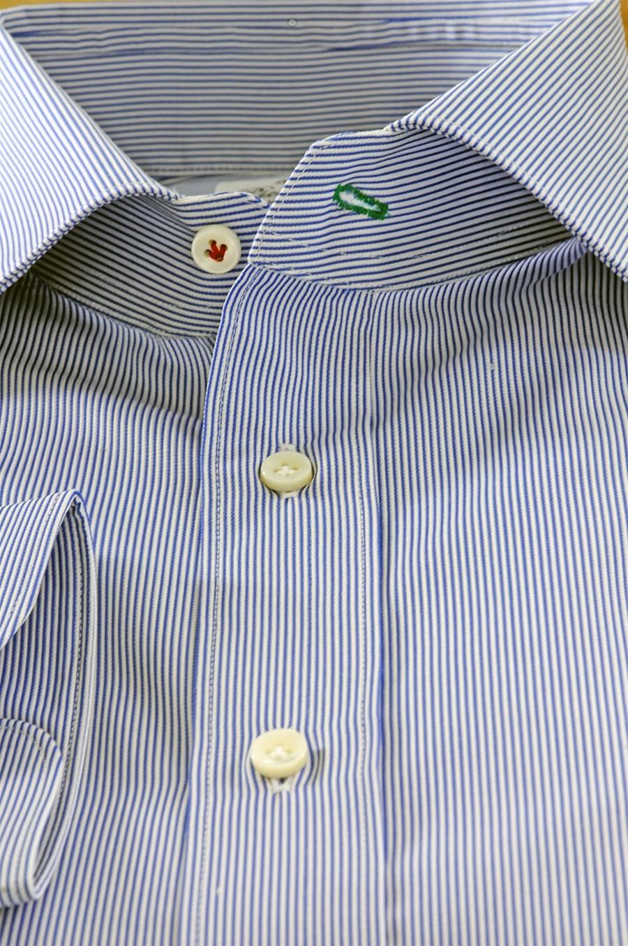 bambino qualità eccellente di modo attraente Camicia a Righe Azzurro e Bianco Puro Cotone Egiziano Per Uomo Su Misura
